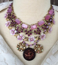 vintage-necklace-purple